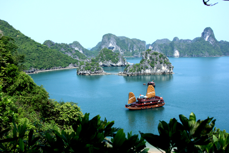 ONE DAY TRIP TO HALONG BAY