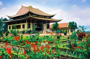 Truc Lam Pagoda,Da Lat Tours,Cat Tien National Park,Cat Tien Tour