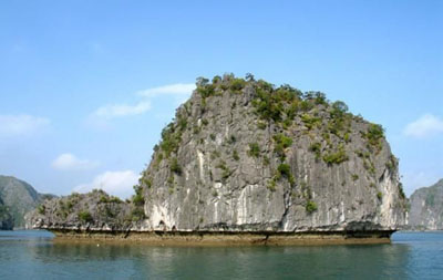 Turtle Islet,Honeymoon In Halong Bay,Halong Bay Honeymoon Package,Sapa Honeymoon