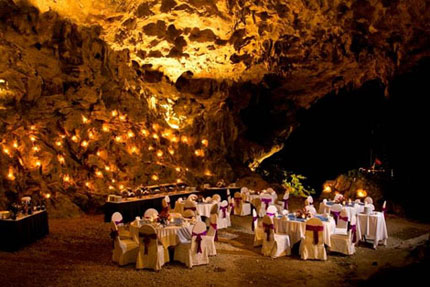 Dum Cave